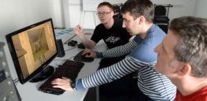 Wir zocken Tagung Games con für Lehrer im MMZ, von links: Student René Föllner und die Lehrer Markus Stephan (Schkopau) und Ingo Hein (Querfurt)