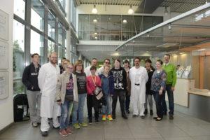 Aktion Klasse 2.0 im St.Elisabeth und St. Barbara - Krankenhaus, Schüler des LBZ für Blinde und Sehbehinderte