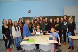 "Burgenlandgymnasium Laucha, Klasse 10 b, Projekt Klasse 2.0 2016/17, Sieger im Wettbewerb ""bests Foto"" Region Süd, 16. Januar 2017"